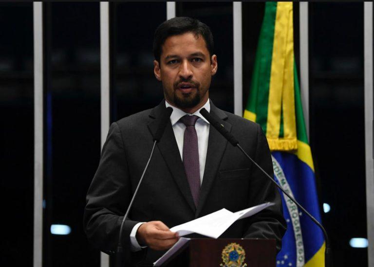 Plenário 768x549 - No plenário do Senado, Rodrigo Cunha defende maior proteção à mulher