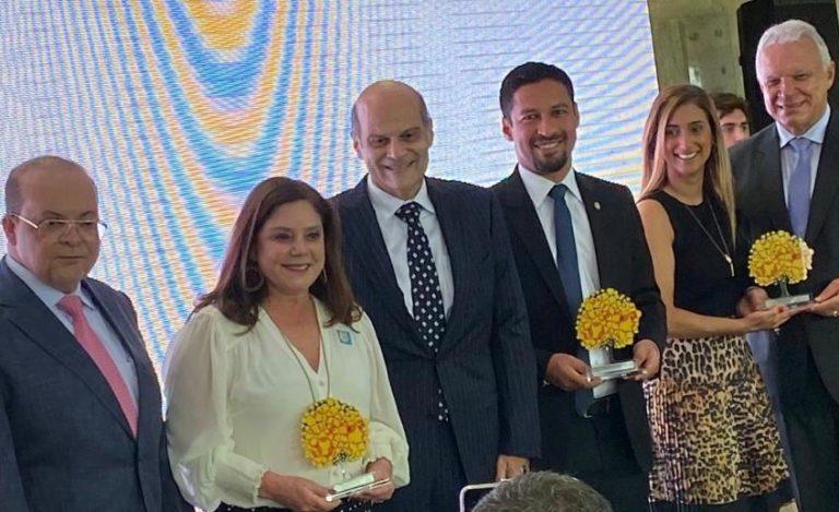 Premiação Buriti 768x469 - Rodrigo Cunha é premiado em comenda sobre Direitos Humanos do Governo do DF