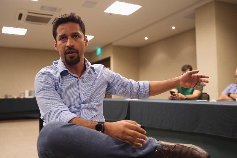Rodrigo Cunha cobra celeridade no pagamento do coronavoucher